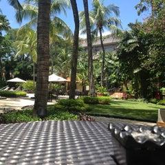 Photo taken at Shangri-La Hotel by Aditya H. on 4/20/2013