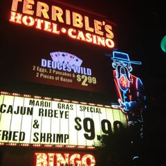 Photo taken at Silver Sevens Hotel & Casino by Larry R. on 3/1/2013