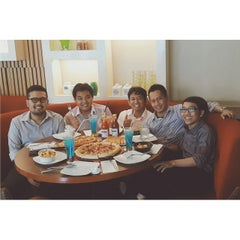 Photo taken at Pizza Hut by Panji A. on 3/25/2015