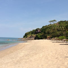 Photo taken at Lanta Paradise Beach Resort by Alex O. on 2/21/2013