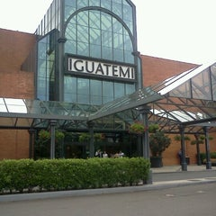 Photo taken at Shopping Iguatemi by Vinícius S. on 1/8/2013