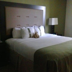 Photo taken at Holiday Inn Metairie New Orleans Airport by Jeanelle on 5/7/2013