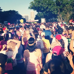 Photo taken at Susan G. Komen Race For The Cure by sozavac on 10/5/2013