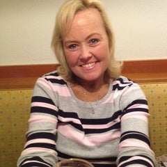 Photo taken at Olive Garden by Michael J. on 9/13/2014