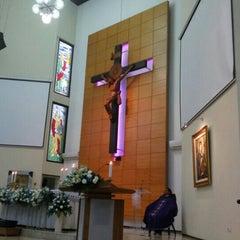 Photo taken at Gereja Kristus Salvator by Paulus T. on 2/28/2016