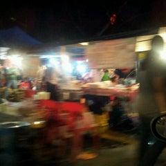 Photo taken at Pasar Malam Jalan Kuching by comelmontel on 11/22/2012