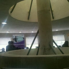 Photo taken at Punto Estudiantil by Mauricio R. on 9/27/2012