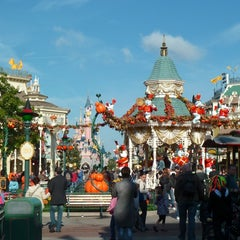 Photo taken at Town Square – Main Street U.S.A by MikaelDorian on 10/8/2012