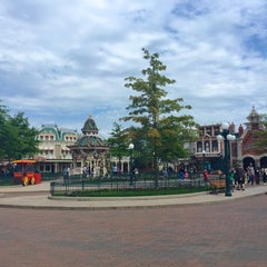 Photo taken at Town Square – Main Street U.S.A by MikaelDorian on 5/15/2015
