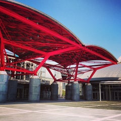 Photo taken at 幕張メッセ (Makuhari Messe) by Yoshiyuki m. on 4/26/2013