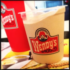 Photo taken at Wendy's by Analyn S. on 7/29/2013