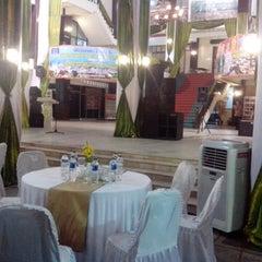 Photo taken at Kantor Walikota Banjarmasin - Pemkot Banjarmasin by Hasby A. on 9/20/2013