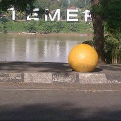 Photo taken at Tepi Sungai Termeloh by aidilツ on 6/19/2013