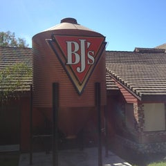 Photo taken at BJ's Restaurant and Brewhouse by Raymundo C. on 10/17/2012