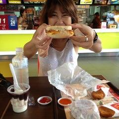 Photo taken at McDonald's by วารินทร์ ส. on 5/19/2013