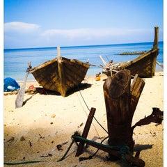 Photo taken at Lanta Palace Resort And Beach Club Koh Lanta by BirdSky T. on 5/4/2014