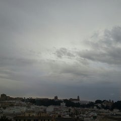 Foto tomada en Hotel Guadalquivir por Noelia J. el 9/27/2013