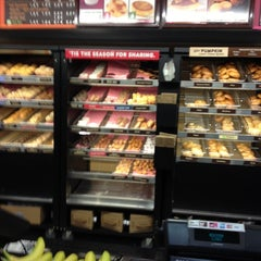 Photo taken at Dunkin Donuts by Dalvin M. on 11/15/2012