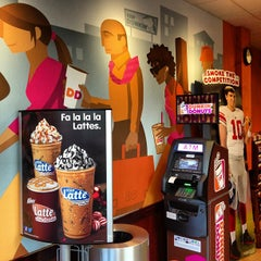 Photo taken at Dunkin' Donuts by Christopher J. on 12/7/2012