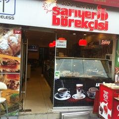 Photo taken at Tarihi Sarıyer Börekçisi by Kaan P. on 5/16/2013