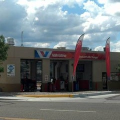 Photo taken at Valvoline Instant Oil Change by Corporate VIOC M. on 8/13/2014
