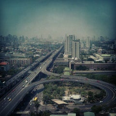 Photo taken at TIPCO Tower (อาคารทิปโก้) by G J. on 4/26/2012