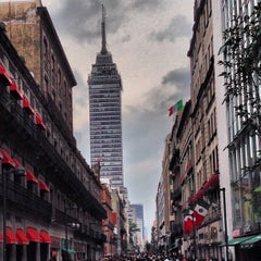 Photo taken at Corredor Peatonal Madero by Ramon G. on 9/22/2013