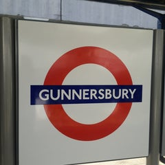 Photo taken at Gunnersbury London Underground and London Overground Station by Gen K. on 7/19/2013