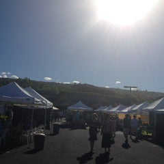 Photo taken at Keauhou Farmer's Market - Sheraton by sillat on 3/9/2013