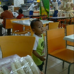 Photo taken at hypermart by Damia D. on 5/11/2013