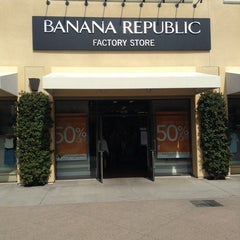 Photo taken at Banana Republic by Ignacio H. on 4/4/2013