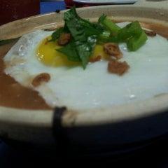 Photo taken at Restoran D'warna warni by Kangkung M. on 12/10/2012