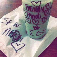Photo taken at Starbucks by Andi G. on 8/26/2014