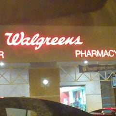 Photo taken at Walgreens by Jyeza 🎑 S. on 12/10/2013