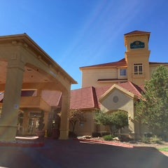 Photo taken at La Quinta Inn & Suites Albuquerque West by John D. on 10/30/2014