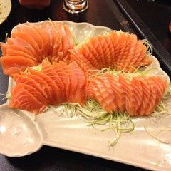 Photo taken at Sushi da Moka by Rafael R. on 6/6/2013