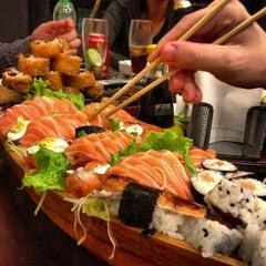 Photo taken at Sushi da Moka by Rafael R. on 5/17/2013