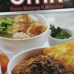 Photo taken at Baso Malang Karapitan (BMK) by Victor G. on 1/5/2014