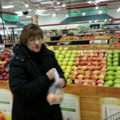 Photo taken at Weis Markets by Ken E. on 4/11/2015