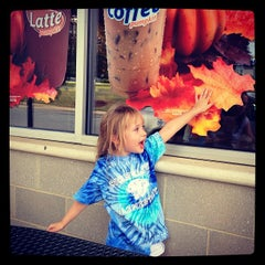 Photo taken at Dunkin' Donuts by Josh L. on 9/28/2012