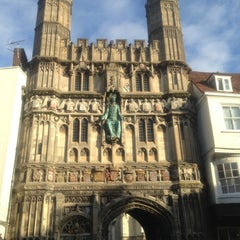 Photo taken at Canterbury Cathedral by Migue P. on 12/21/2012