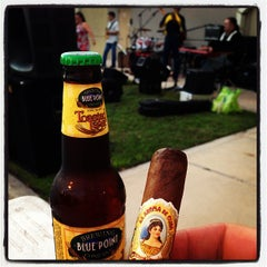 Photo taken at Harry's Cigar & Brew by Cigar ThinkTank on 4/27/2013