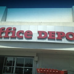 Photo taken at Office Depot by Paulinna M. on 4/4/2013