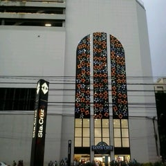 Photo taken at Shopping Metrô Santa Cruz by Washington L. on 12/1/2012