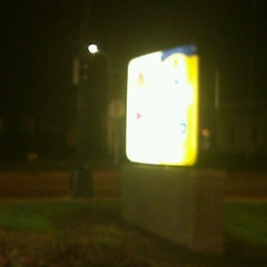 Photo taken at Taco Bell / Long John Silver's by Janmichael G. on 10/14/2012