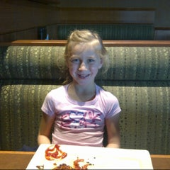 Photo taken at Boston Pizza by Brent D. on 11/24/2012