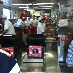 Photo taken at In-N-Out Burger by Mark C. on 11/26/2012