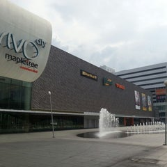 Photo taken at VivoCity by Donny F. on 4/2/2013