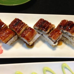 Photo taken at The Sushi Bar 5 @ Thiên Sơn Plaza by Đăng Vy on 5/18/2013