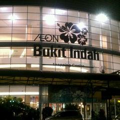 Photo taken at AEON Bukit Indah Shopping Centre by Azreen J. on 9/17/2013
